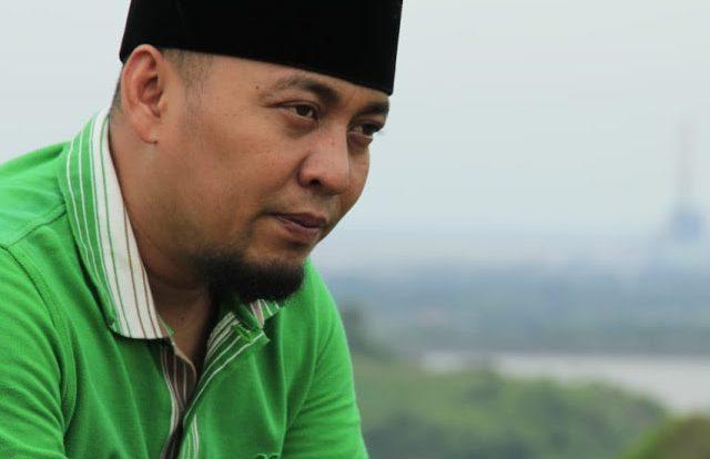 profil ujang bustomi